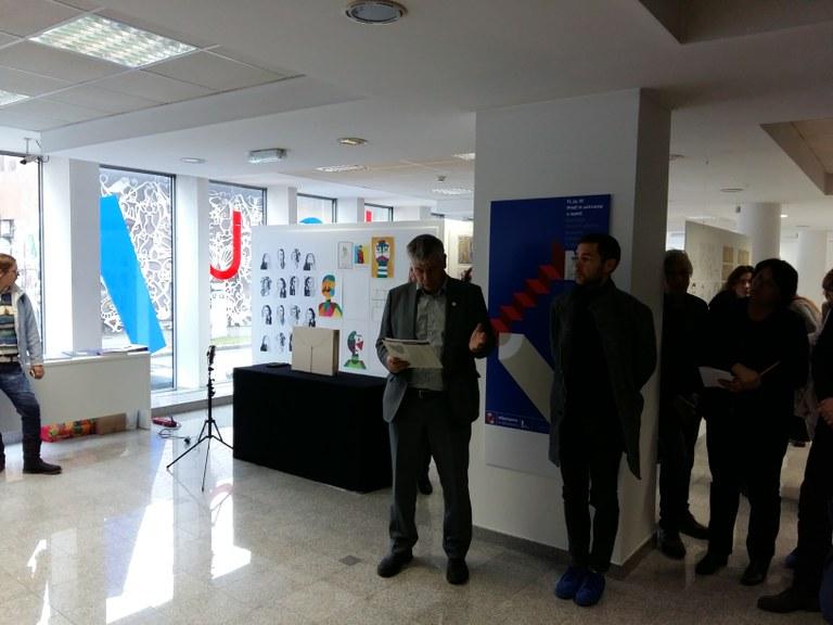 Državni sekretar Zupančič na odprtju razstave likovnih izdelkov projekta »Vključujemo in aktiviramo!«
