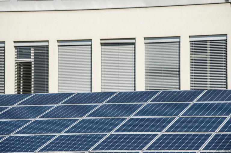 Evropska sredstva za energetsko prenovo večstanovanjskega objekta v Kopru