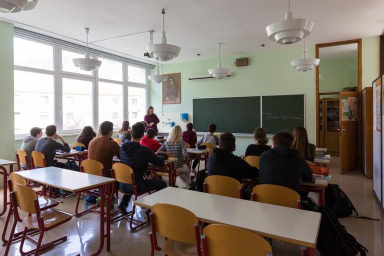 Evropska sredstva za javni razpis »Popestrimo šolo 2016–2021«