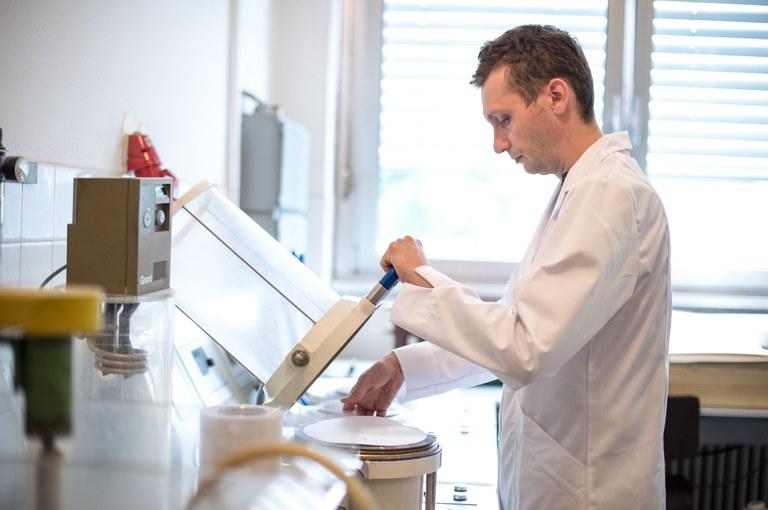Evropska sredstva za spodbujanje raziskovalcev na začetku kariere