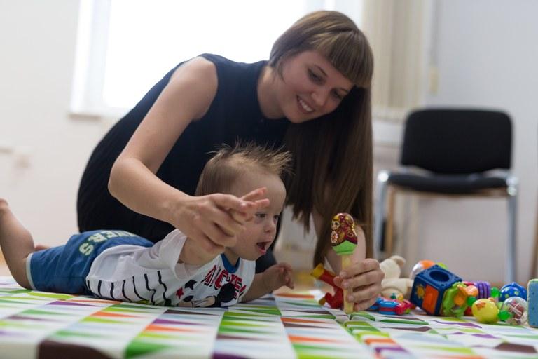 Evropska sredstva za spodbujanje socialne vključenosti otrok in mladih s posebnimi potrebami v lokalno okolje