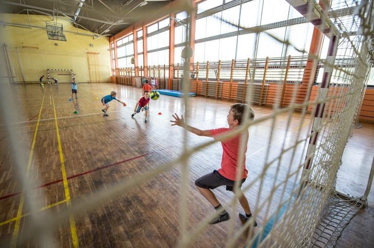 Naložbe v šolstvo so naložbe v prihodnost: Evropska sredstva za telovadnico, učilnice in igrišče v Kranju