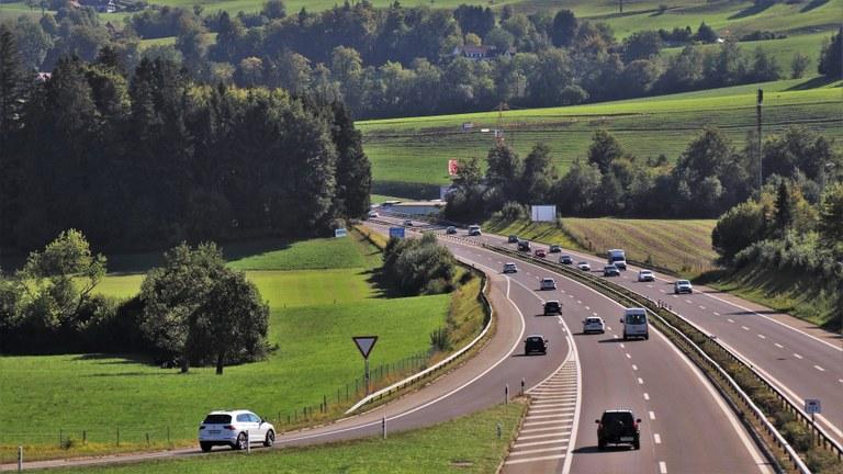 Povezujemo Slovenijo: Evropska sredstva za 3. razvojno os jug