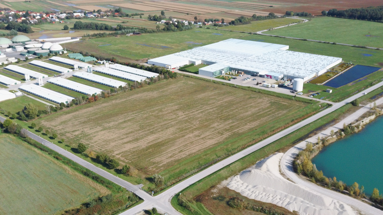 Boosting the economy in Pomurje: EU funding for the Agricultural and Business Zone in Dobrovnik