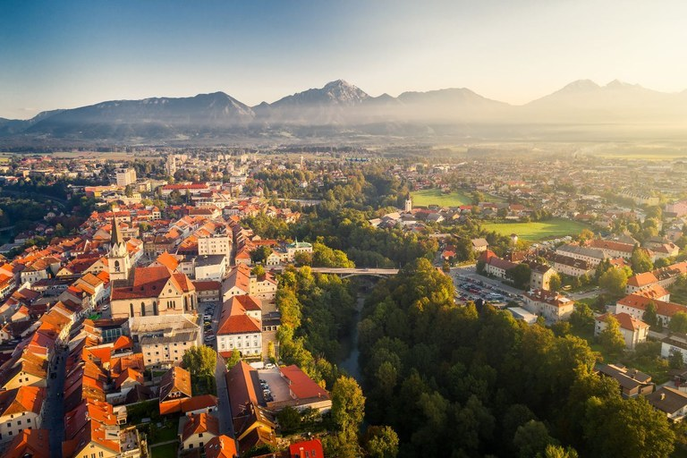 EU funding for deep renovation of the former secondary school of civil engineering in the old town centre of Kranj