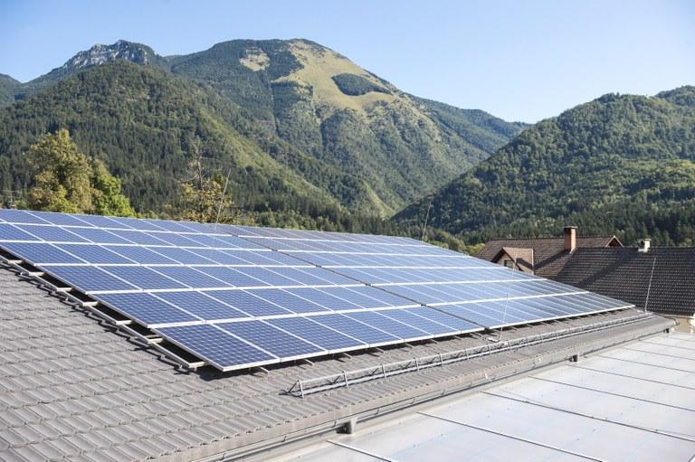 Čista energija za zeleno Slovenijo: Evropska sredstva za gradnjo malih sončnih elektrarn