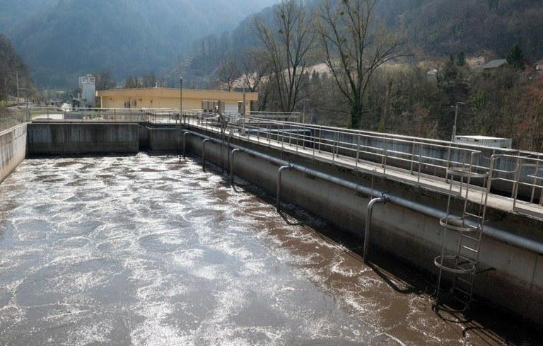 Čista voda za zeleno Slovenijo: Evropska sredstva za odvajanje in čiščenje odpadne vode v občini Hrastnik