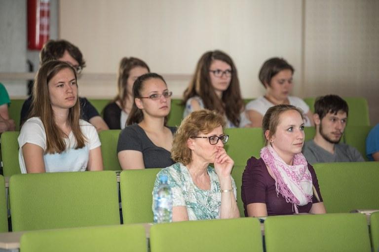 EU sredstva za mobilnost študentov iz socialno šibkejših okoljih v Skupnosti višjih strokovnih šol in na Univerzi v Mariboru