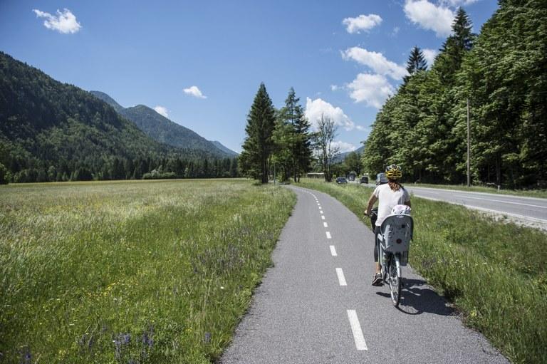 Širimo mrežo kolesarskih poti: Evropska sredstva za kolesarsko povezavo Kamnik–Godič